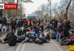 Syria conflict: Turkey opens borders to Europe for refugees